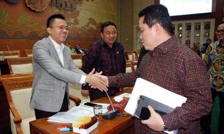 Erick Tohir Menyalami Legislator PDIP Mufti Anam
